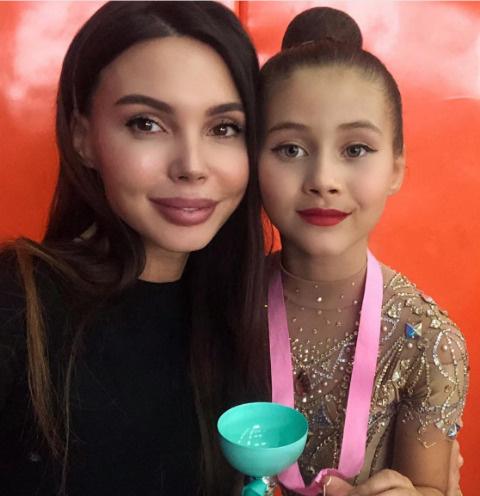 Оксана Самойлова со старшей дочерью Ариелой