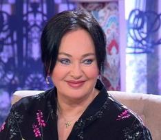 Редактора программы «Давай поженимся!» травят за оскорбительные шутки над героями