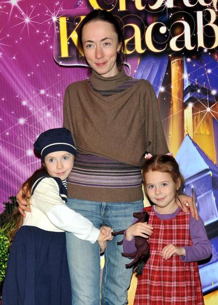 «У меня есть только зависимость и оскорбляющая мама»: откровения 15-летней дочери Михаила Ефремова