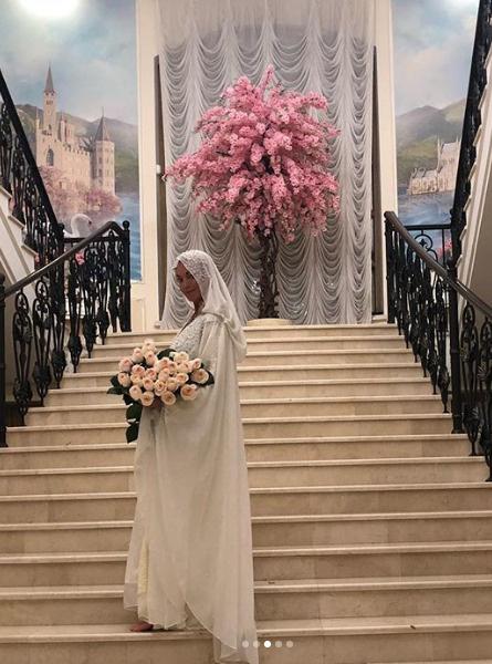 Анастасия Волочкова в хиджабе