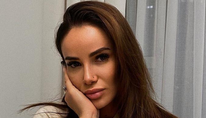 Айза Анохина получила серьезную травму лица