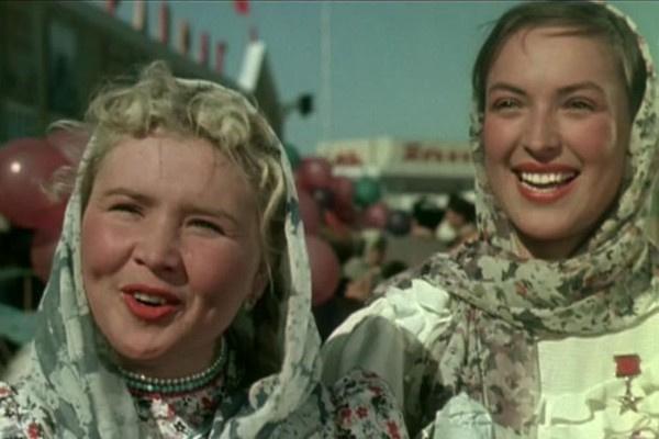 После «Кубанских казаков» режиссеры заинтересовались Екатериной Савиновой