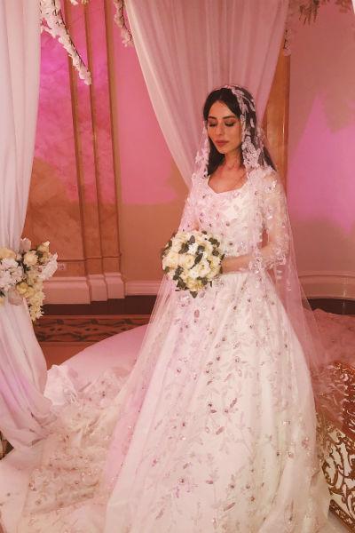 Платье невесты стоимостью 17 миллионов рублей весило 45 килограммов!