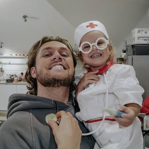 Влад Соколовский с дочкой