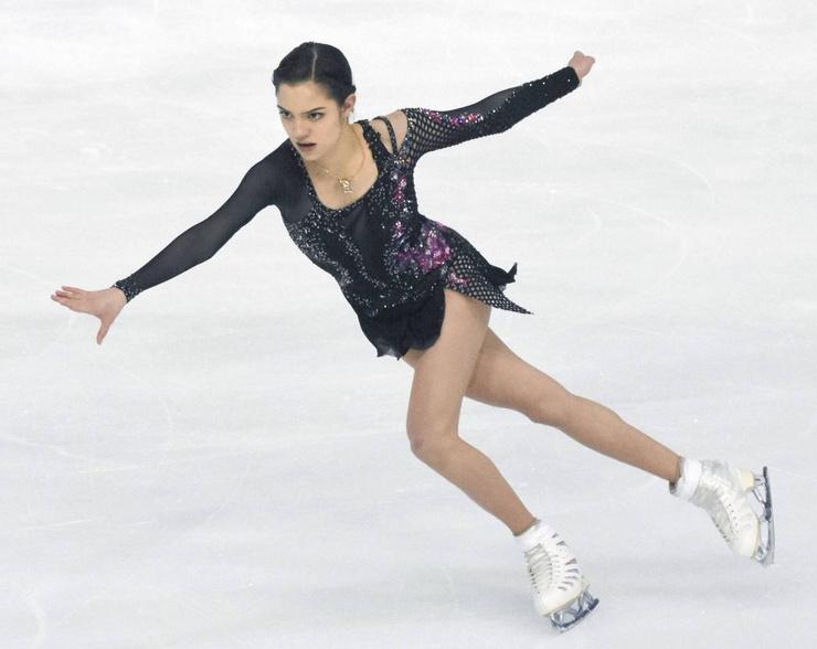 Евгения Медведева не думает уходить из спорта
