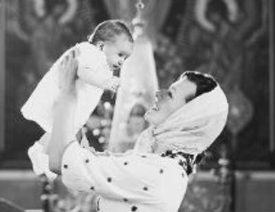 Милла Йовович крестила младшую дочь в православной традиции