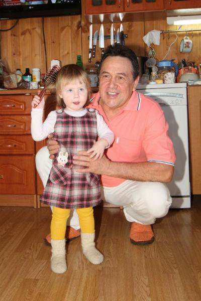 Ренат Ибрагимов с дочерью Аишей (2011 год)