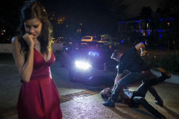 В клипе артист повторил реальную сцену драки за любимую