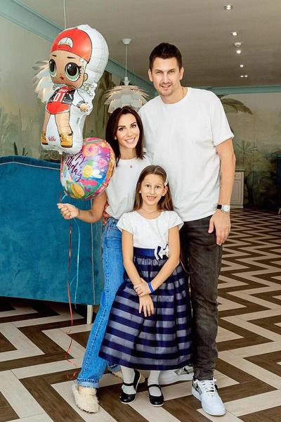 Анна сейчас счастлива в браке с баскетболистом Артемом Кузякиным