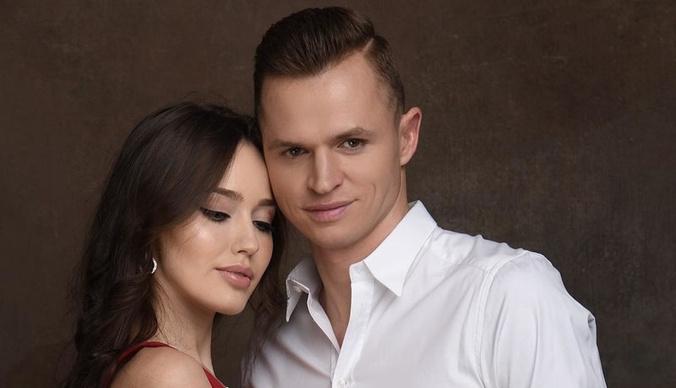 Дмитрий Тарасов опубликовал снимок голой груди Анастасии Костенко