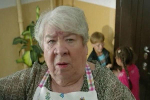 Кира Крейлис-Петрова в сериале «Идеальный брак»