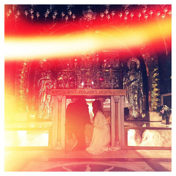 Ким Кардашьян с мужем в Храме Гроба Господня