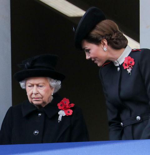 Елизавета II запрещает Кейт Миддлтон рожать