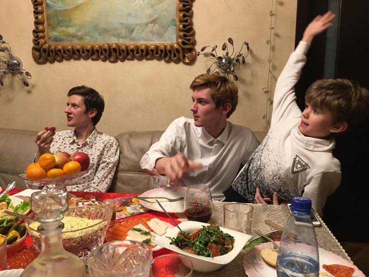 Внуки Лужиной: Даниил, Матвей и Прохор