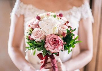 Съела несколько конфет: детали смерти невесты на свадьбе в Москве