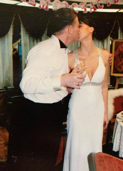 Пара обвенчалась 19 лет назад