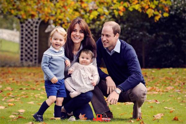 Кейт Миддлтон и принц Уильям со своими детьми – принцем Георгом и принцессой Шарлоттой