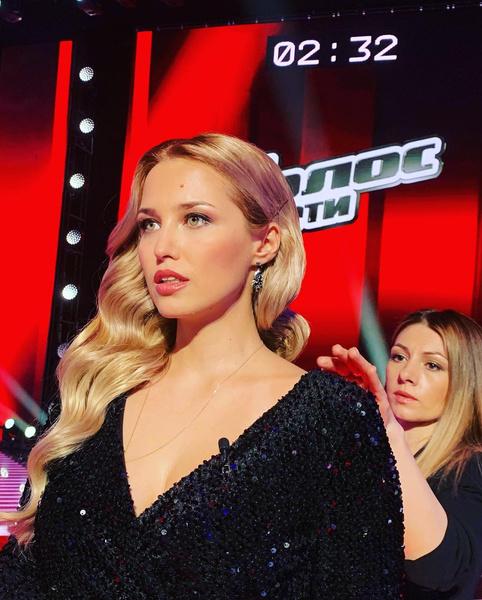 Актриса стала ведущей шоу.