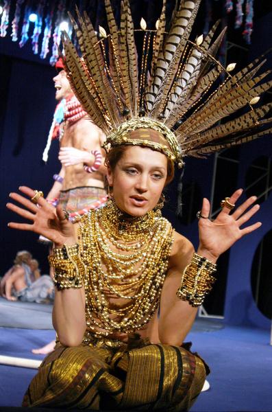 Исакова на репетиции спектакля «Сон в шалую ночь» в театре имени Пушкина