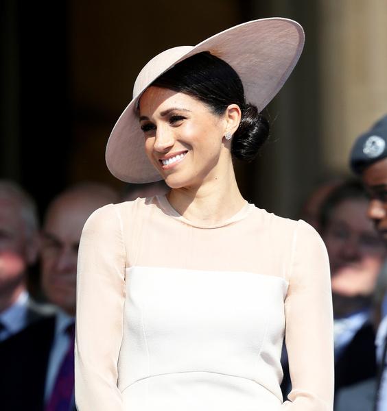 Такая роскошь вам и не снилась! Самые дорогие платья членов королевской семьи