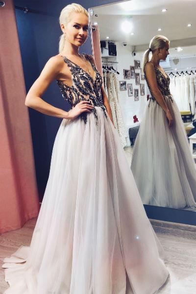 Марине нравятся женственные и элегантные платья