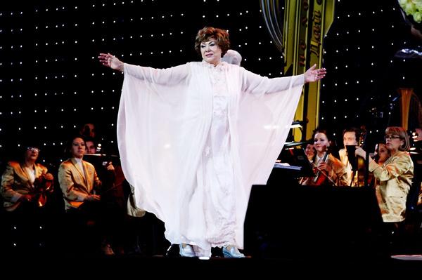 Эдита Пьеха поддержала украинскую звезду
