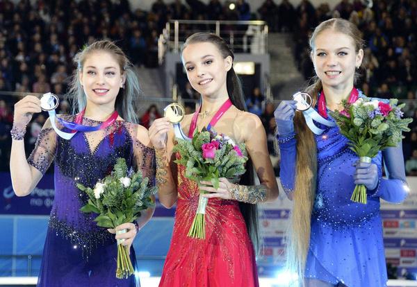 Алена Косторная, Анна Щербакова и Александра Трусова называются экспертами в числе главных претенденток на золото Олимпиады 2022 года