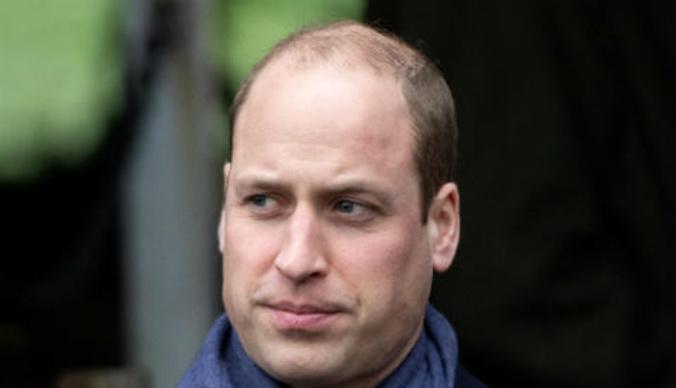 Принц Уильям появился на экономическом форуме в дырявом ботинке