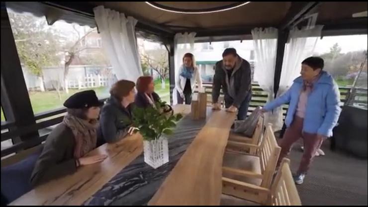 Эксклюзивный стол, мангал и кухня: новая дачная беседка Дмитрия Назарова