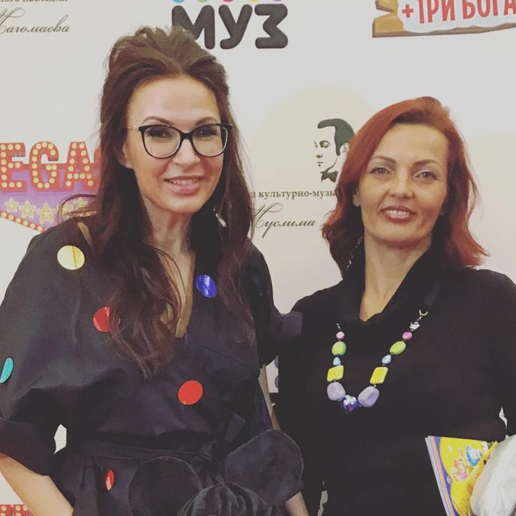 Эвелина Бледанс и ее сестра Диана
