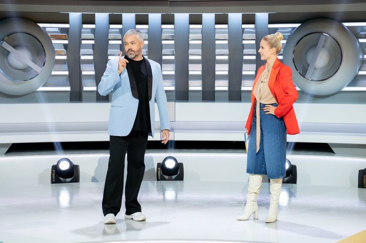 Александр Рогов предложил Елене поэкспериментировать со стилем