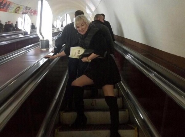 Мария Максакова едет на репетицию