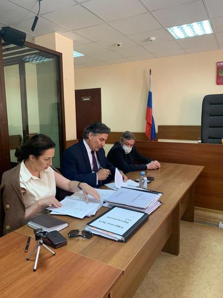 Михаил Ефремов с адвокатами
