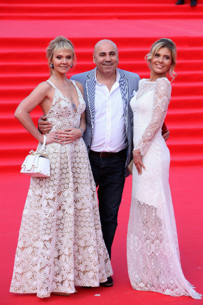 Иосиф Пригожин с Валерией и дочерью певицы Анной