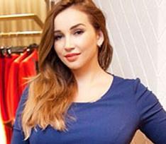 Анфиса Чехова мечтает о новом обтягивающем платье