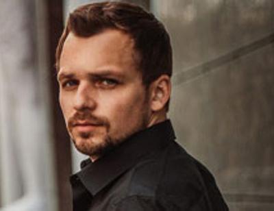 Актер Алексей Янин вышел из комы