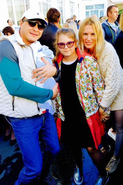 Марат Башаров с сыном, дочерью и Елизаветой Круцко