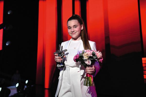Девочка заняла первое место в конкурсе