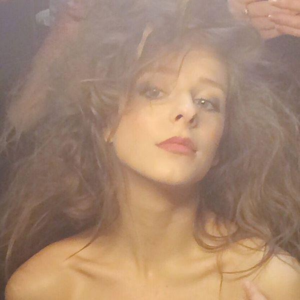 Лиза Арзамасова в образе ведьмы