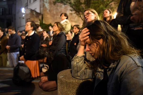 Общество: Миллионы евро на восстановление Нотр-Дама: звезды и олигархи делают пожертвования – фото №3