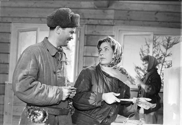 Актриса прославилась после фильмов «Молодая гвардия» и «Девчата»