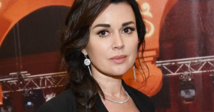 Режиссер сериала «Моя прекрасная няня» о беременности Анастасии Заворотнюк: «Может, была суррогатная мать»