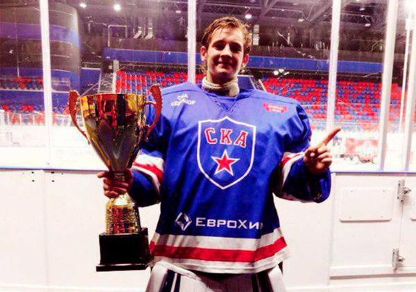 Старший сын Соколовых хорошо учился и делал успехи в хоккее