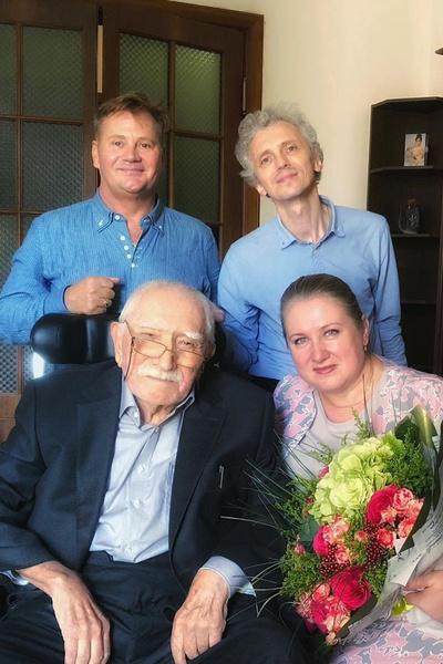 Недавно Армен Борисович отпраздновал 65-летие творческой деятельности