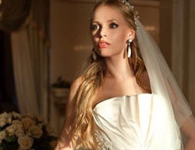 «Мобильная блондинка» рассказала о жизни после свадьбы с Кожиным