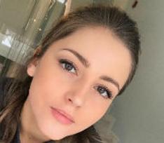 Звезда «Молодежки» Анна Михайловская заинтриговала беременностью