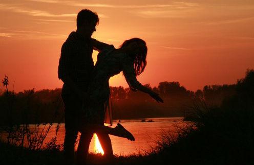 Когда возраст не помеха: с кем строят отношения юные наследники звезд