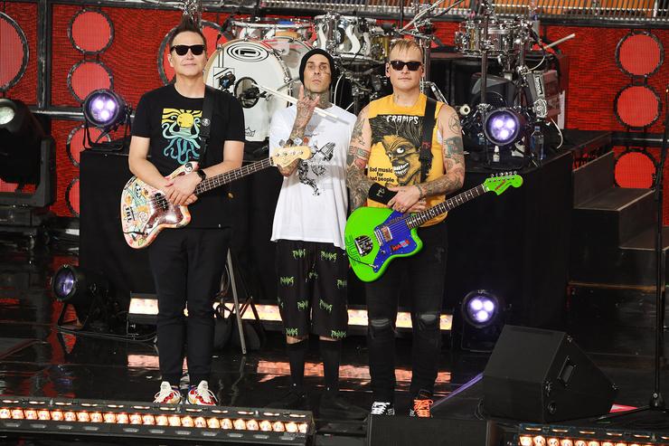 Группа Blink 182 до сих пор гастролирует по миру и записывает альбомы