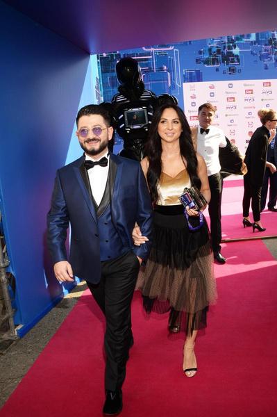 Михаил Галустян признался, что супруга с ним не церемонится