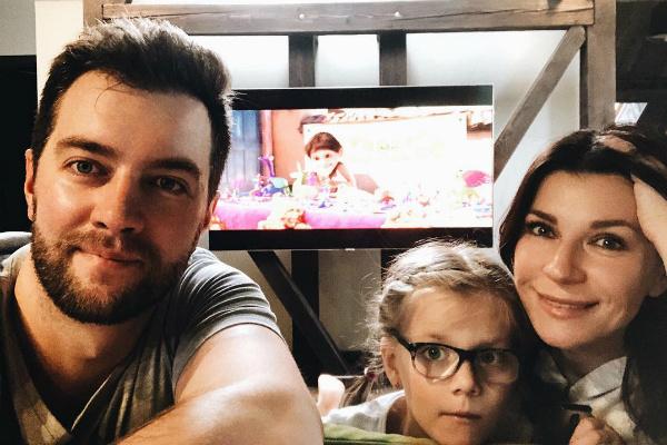 Андрей Карпов, Екатерина Волкова и их дочь Елизавета